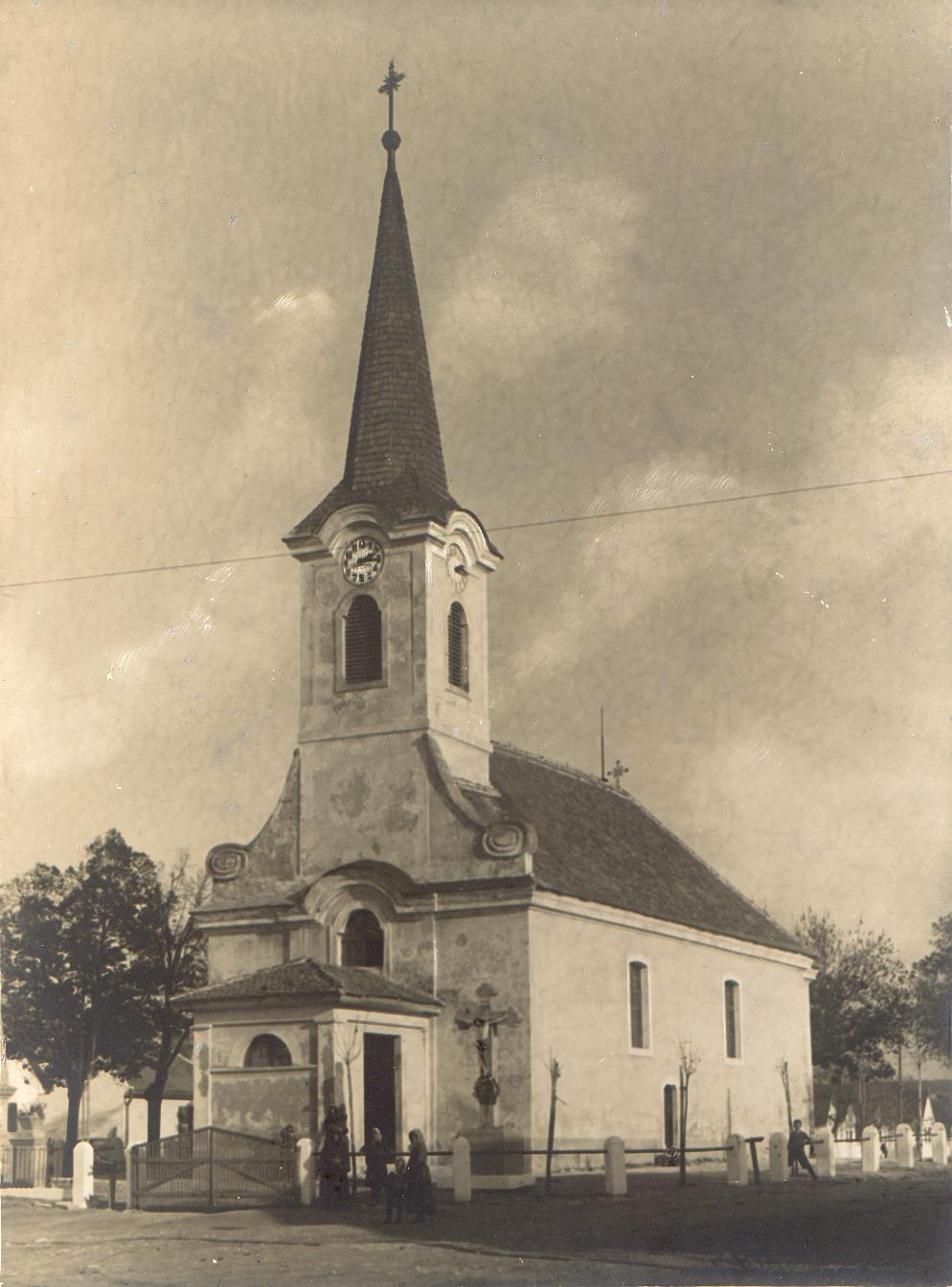 széles templom