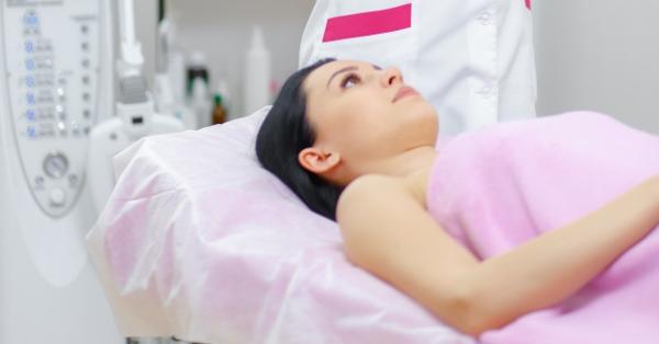 A szájban, a nyelvben és az ajkán lévő kondilómák: kezelés és eltávolítás - Tünetek October